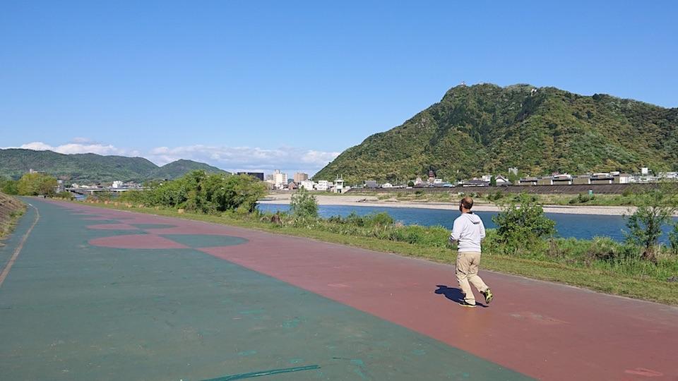 ジョギング長良川
