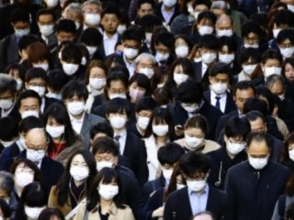 マスクが当たり前の風景