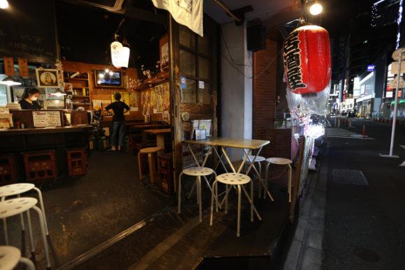 閑散とした飲食店