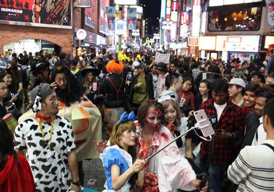例年のハロウィーン渋谷